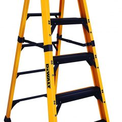 Aluminum Vs Fiberglass Ladder – Which One Is Best For You?