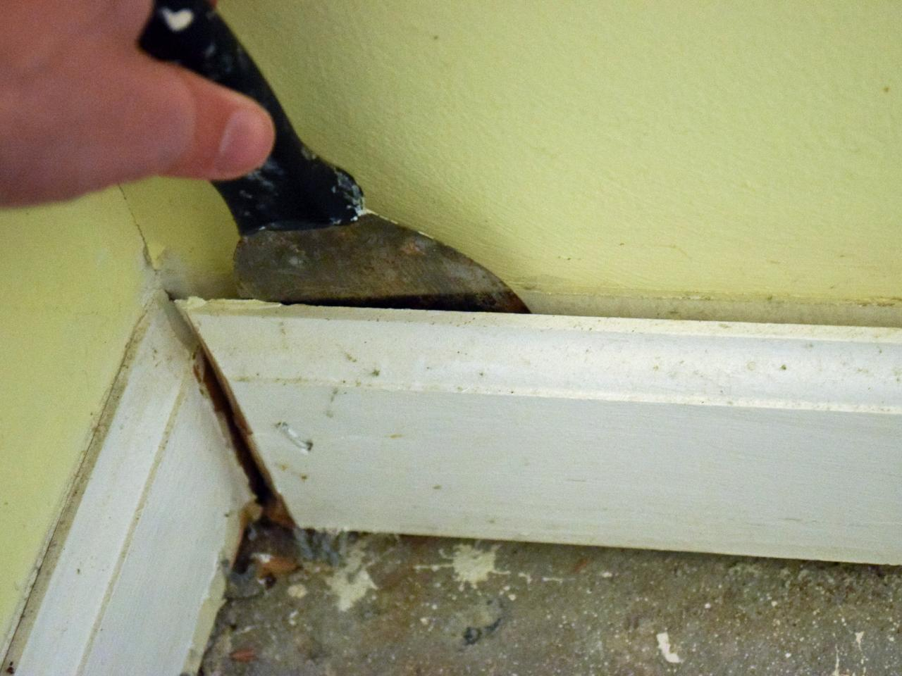 How To Remove Baseboards The Basic Woodworking